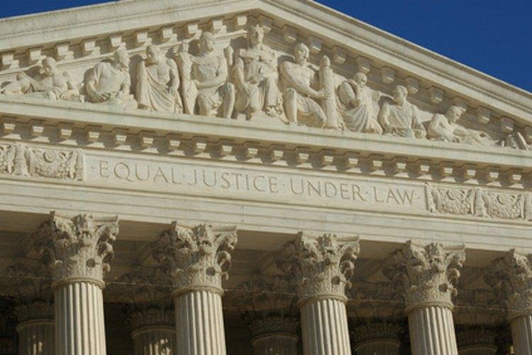 La violación puede resultar en requerimientos y demandas judiciales con consecuencias severas y castigos potenciales, incluida la cárcel.