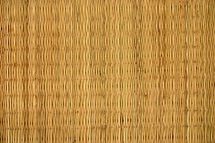 Repara tus persianas de bambú.