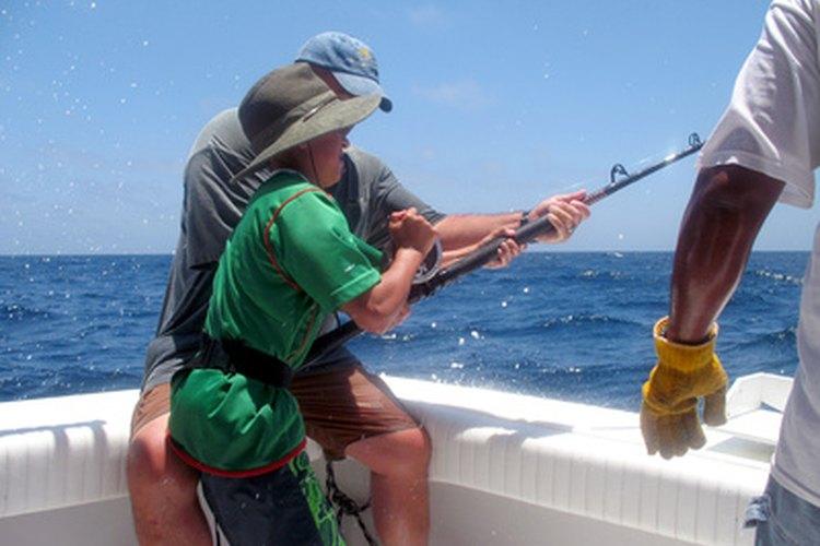 Las mejores líneas de pesca para agua salada ofrecen resistencia y versatilidad.