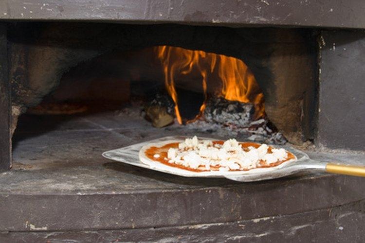 Los hornos a leña son solo uno de los tipos de hornos para pizza