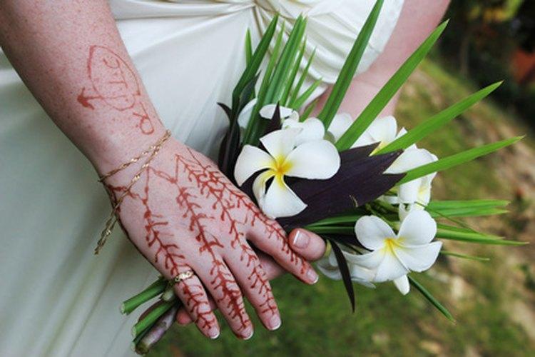 La henna es un tinte que usualmente se usa en tatuajes temporales.