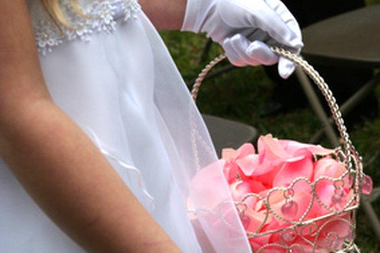 Los guantes blancos son tradicionales para ocasiones más formales.