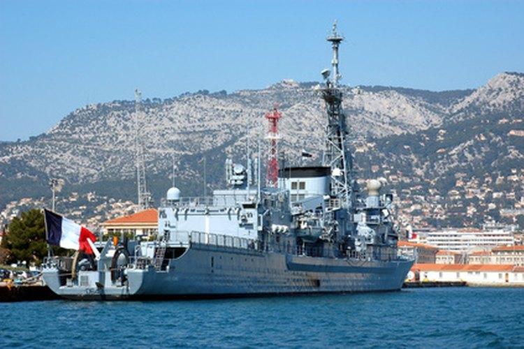 Varias organizaciones regulan los pagos para los marinos mercantes.