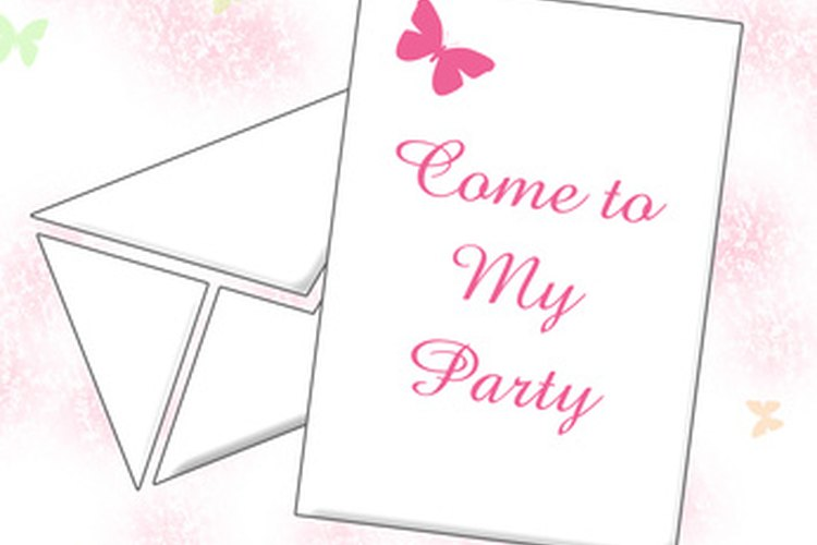 Incluye la fecha y lugar en la tarjeta de invitación de Mis Quince.