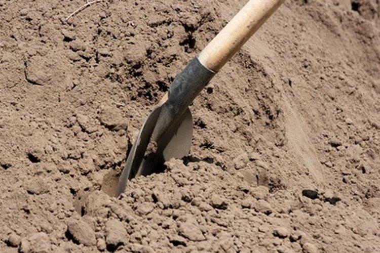 Los pozos excavados a mano solo requieren una pala para cavar.