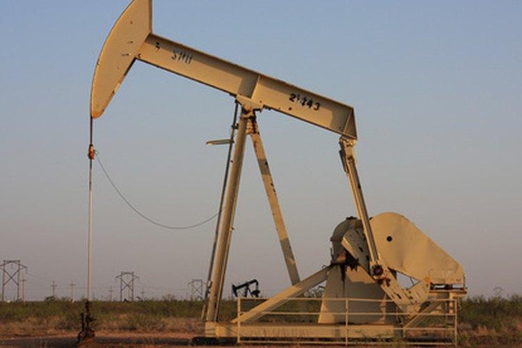 La unidad de bombeo extrae el petróleo de yacimientos con poca presión.