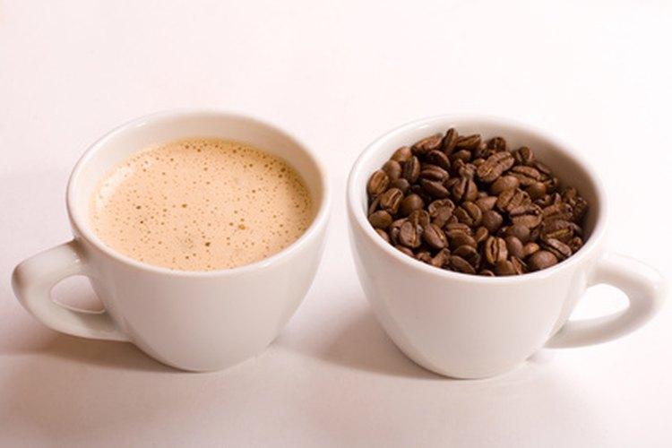 La clave para hacer una buena taza de café con una máquina es usar los ingredientes de mejor calidad.