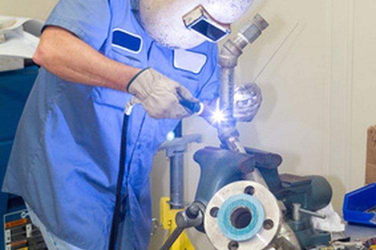Los montadores mecánicos deben ser soldadores habilidosos.