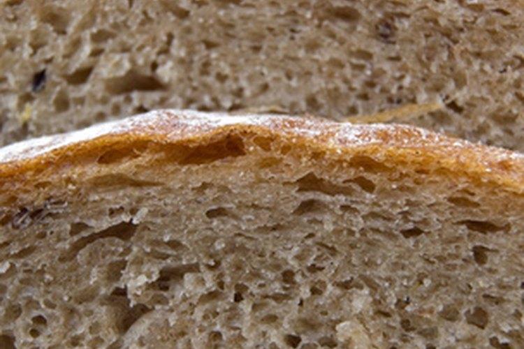 Al añadir proteína se hace más fuerte el pan.