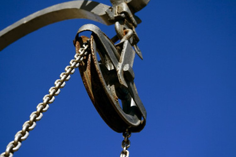 El sistema de poleas o polipasto funciona como palanca a la hora de levantar cargas.