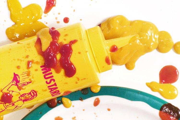 La curcumina se utiliza como colorante en la mostaza.