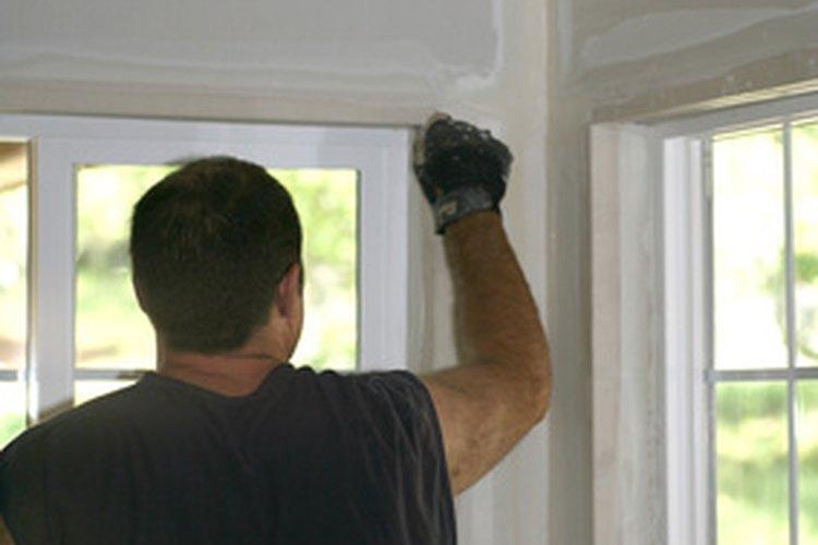 Sólo puedes remover el moho en paredes sin pintar.