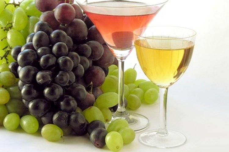 Baja el nivel de pH del vino antes de prensarlo y cuando está en el estado de mosto.