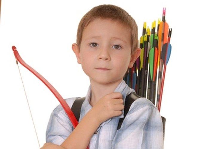 Las reglas de tiro con arco para jóvenes son un poco más estrictas que las reglas de tiro con arco para adultos.
