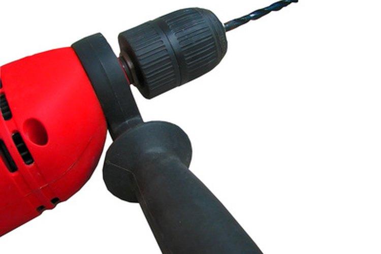 Un cortador de enchufe se puede utilizar par ocultar un tornillo o perno.