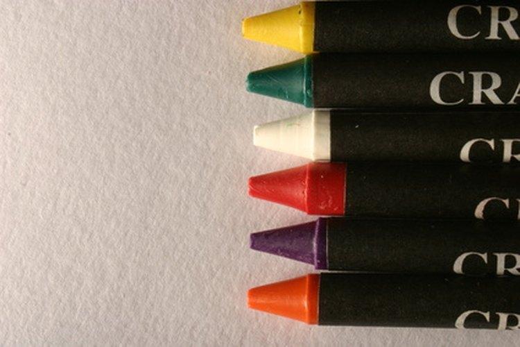 Los crayones de tinte vienen en varios colores.