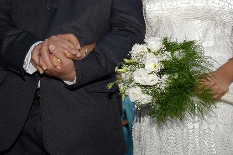 En una boda formal puedes producirte.