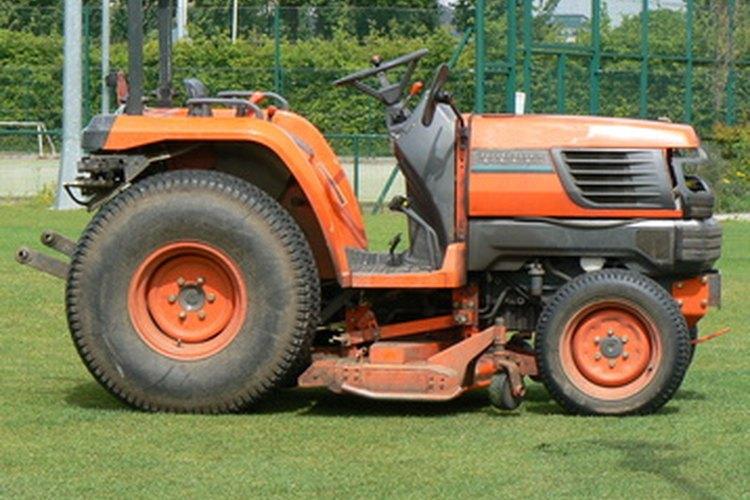 Un tractor es un ejemplo de capital.