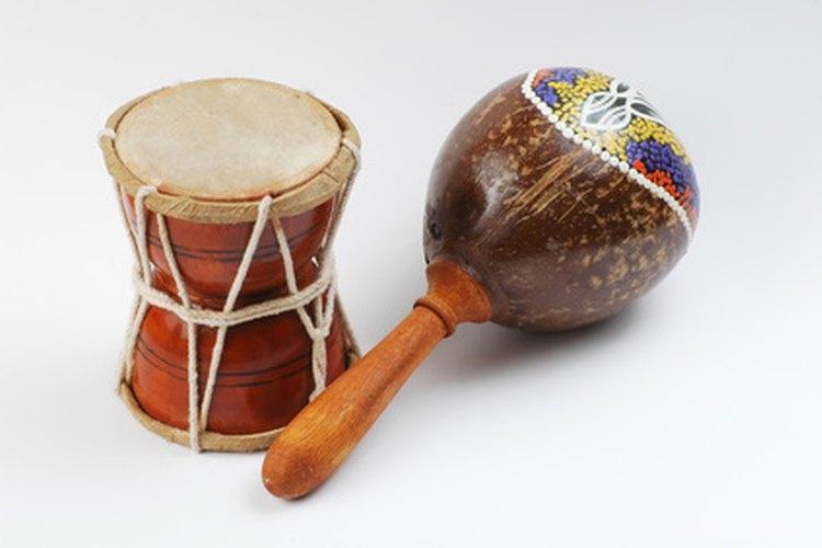 Los tambores y las maracas son herramientas comúnes para los juegos de percusión.