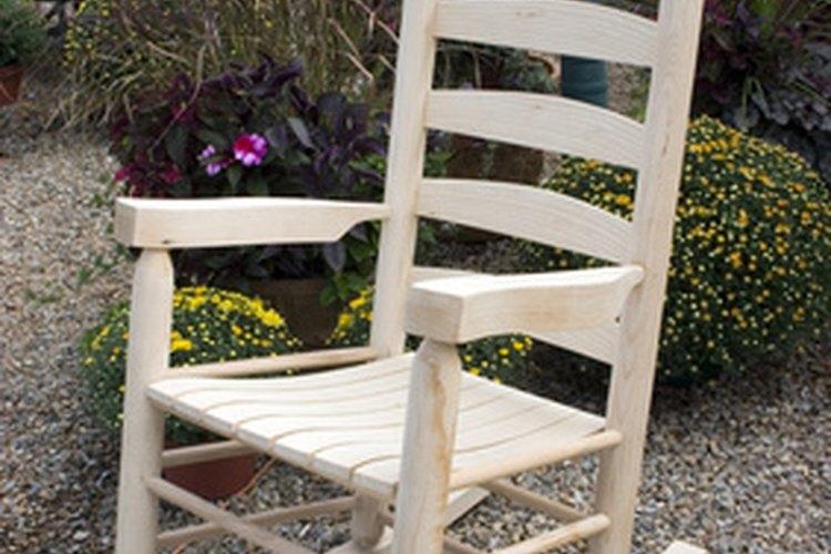 Las sillas mecedoras también pueden beneficiar a los adultos.