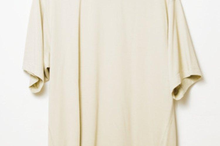 Elimina la grasa diésel de la ropa con un detergente para trabajo pesado.