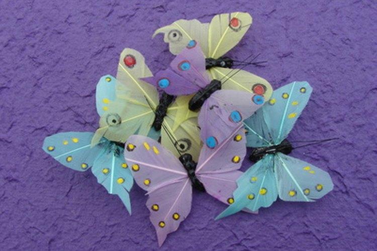 Utiliza mariposas como una inspiración alegre para una fiesta de cumpleaños de niña.