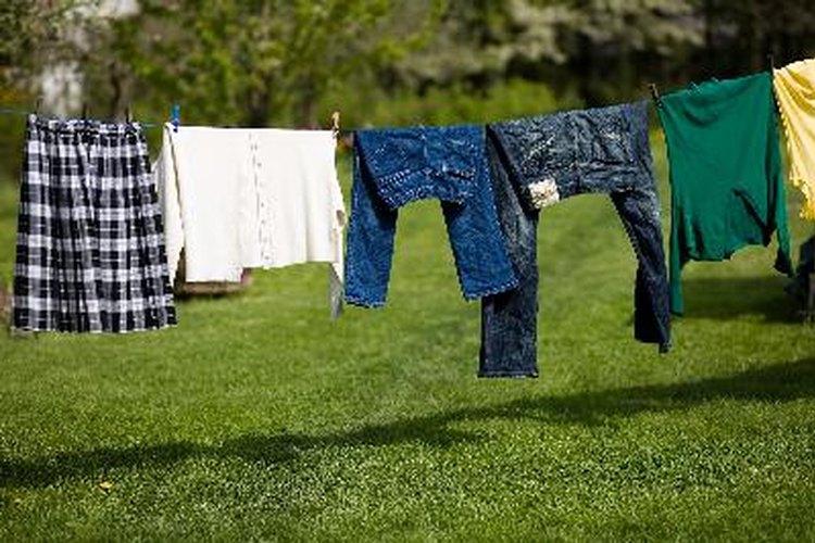 Cómo lavar la ropa sin usar una lavadora.