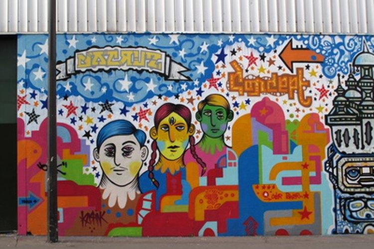 Murales creativos pueden representar un cuerpo estudiantil diverso.