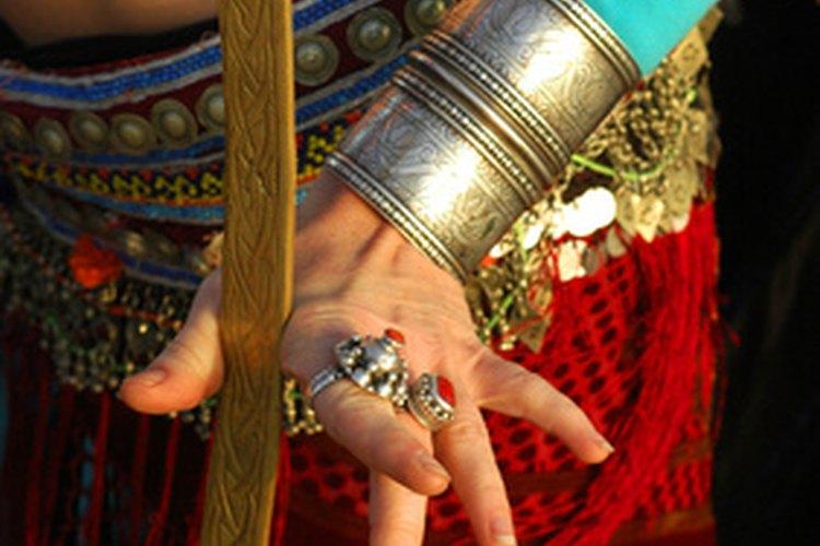 La música de la danza tradicional tailandesa está influenciada por la música de la India y de China.
