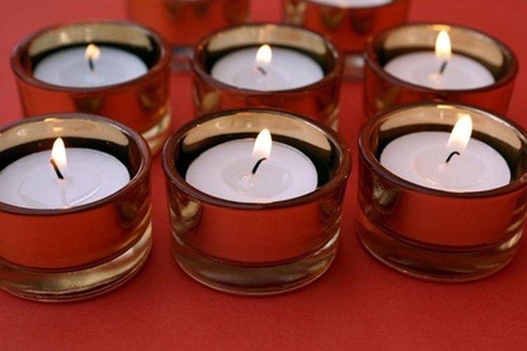 Los católicos encienden velas por muchas razones.