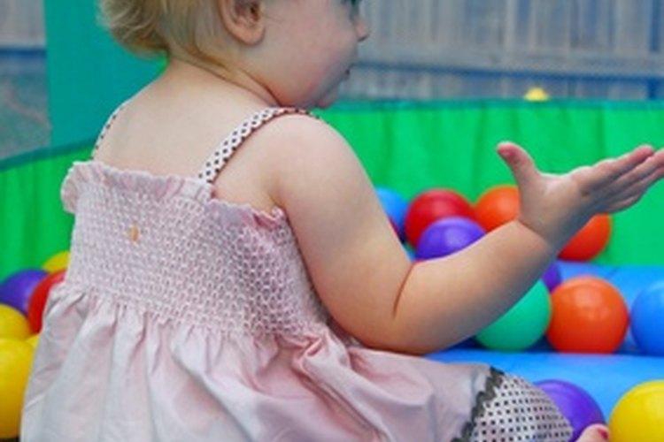 Las andaderas deben descontinuarse cuando el bebé se puede sentar.