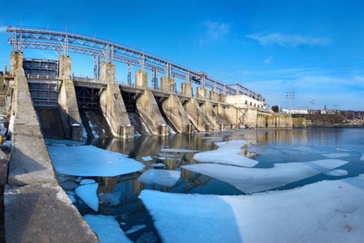 Las represas hidroeléctricas son caras de construir.