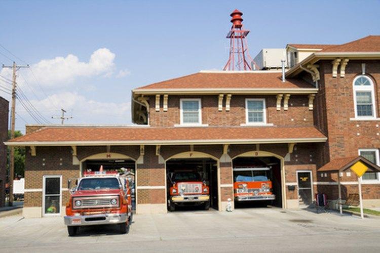 Con su diseño único, las estaciones de bombero frecuentemente sirven como puntos de referencia en pequeños pueblos y villas.