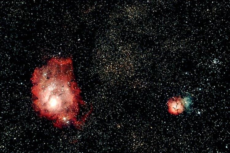Los astrónomos estudian el universo.