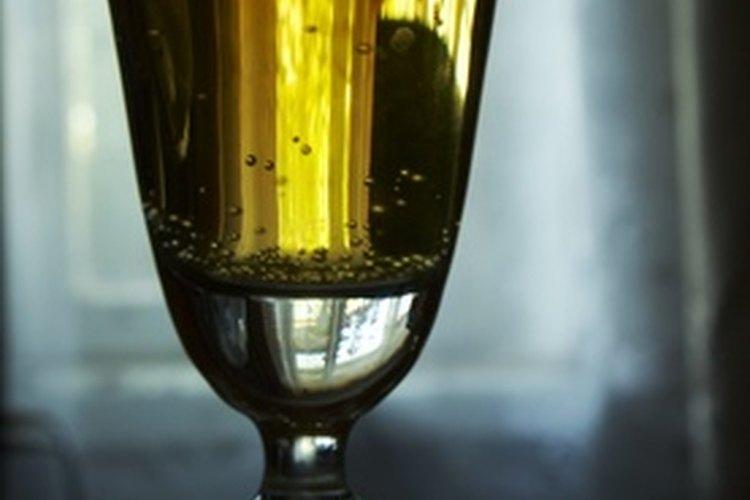 Evita utilizar mezclas azucaradas para mantener las calorías bajas.
