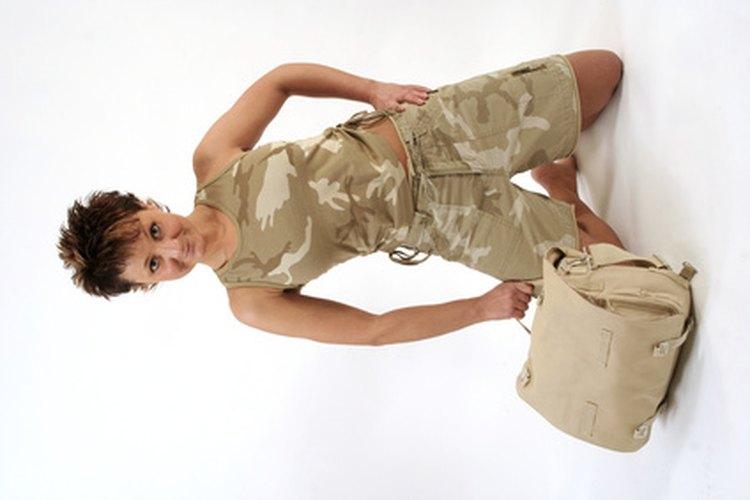 Las esposas militares tienen varios derechos y beneficios, incluso después del divorcio.