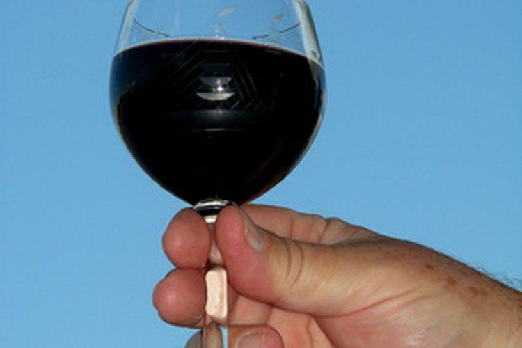 El borgoña se parece a un vino rico y profundo.