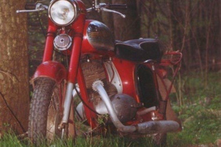 Durante seis años, la XR100 y XR100R sólo estaban disponibles en color rojo.