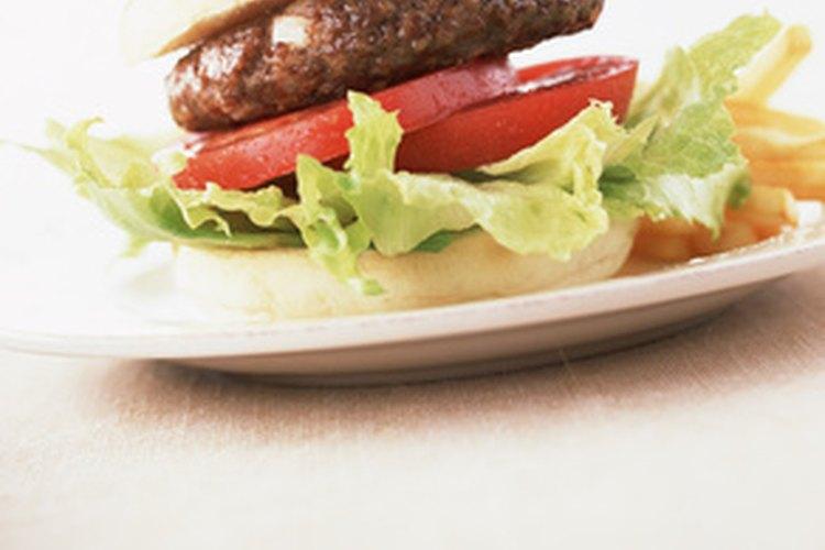 Una hamburguesa también puede cocinarse en una sartén.