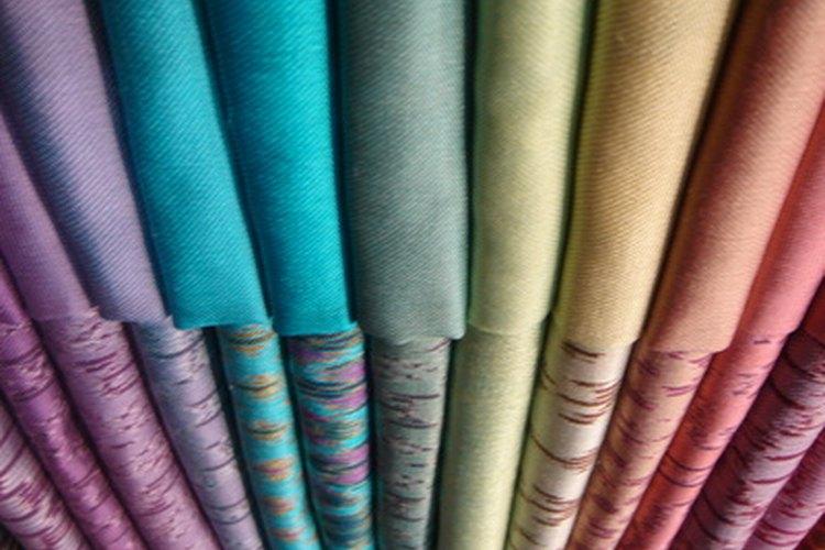 La sede artificial de alta calidad puede verse y sentirse como la seda genuina.