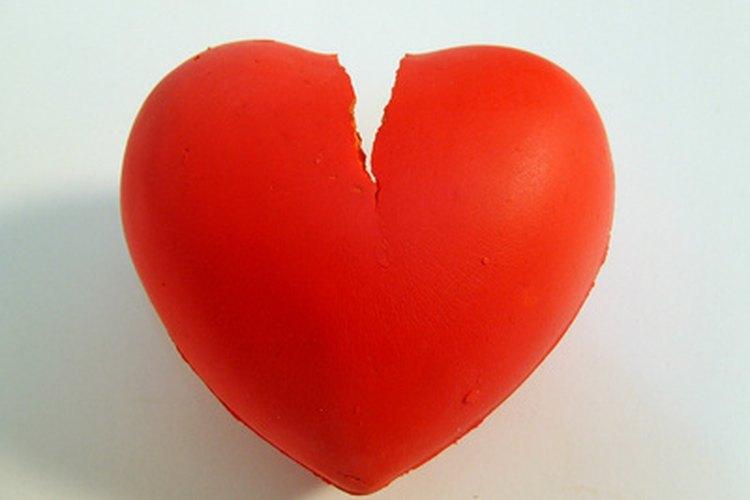 Necesitas paciencia y un corazón abierto para recuperar la confianza de tu pareja tras engañarla.
