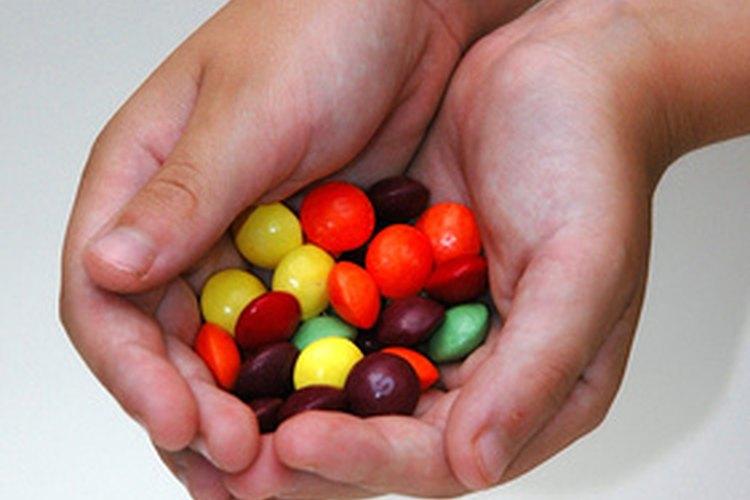 El exceso de azúcar en la dieta puede alimentar las levaduras en el cuerpo.