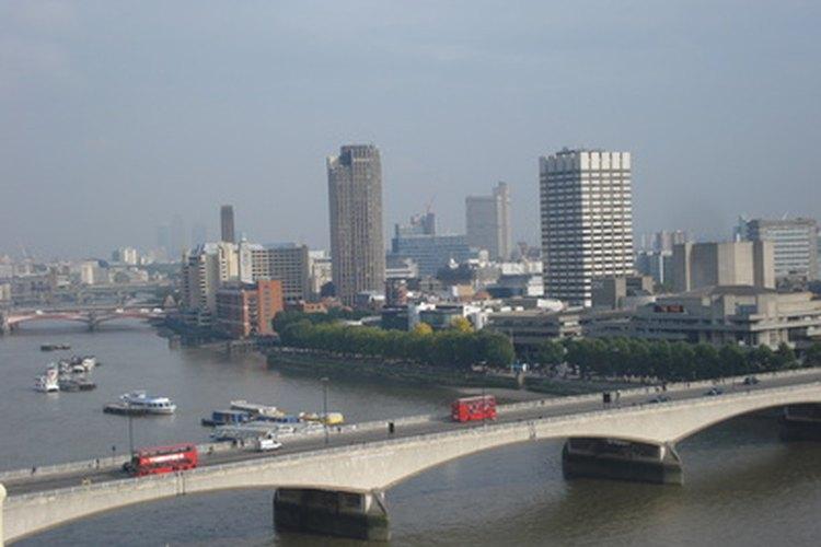 Londres es la ciudad más grande de Inglaterra.