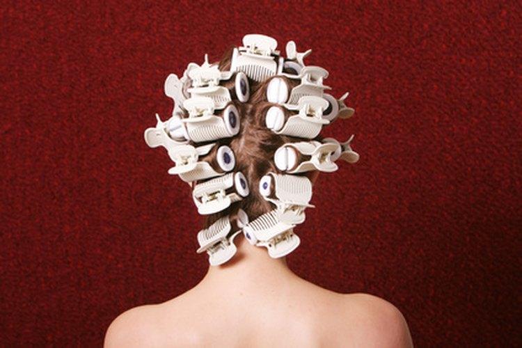 Métodos agresivos de peinado pueden ser una causa de la pérdida del cabello.