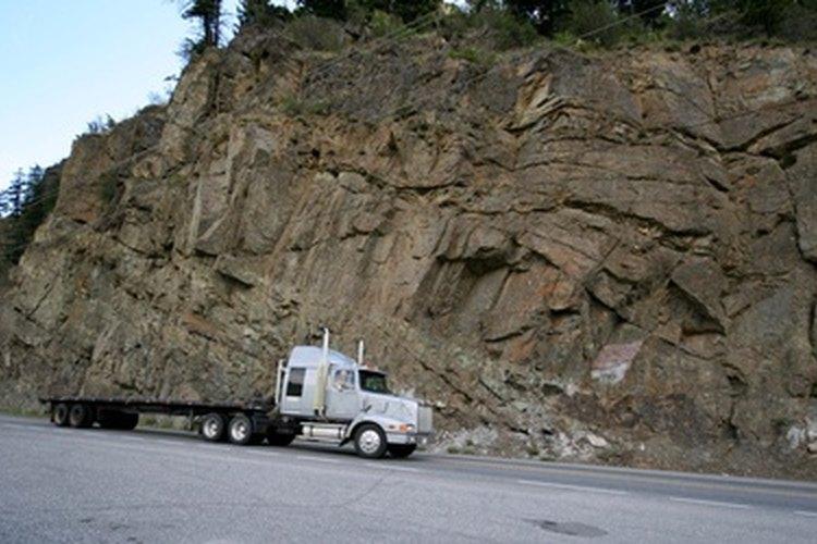Los camiones que trabajan en áreas con mucho polvo todavía usan este tipo de filtro de aire.