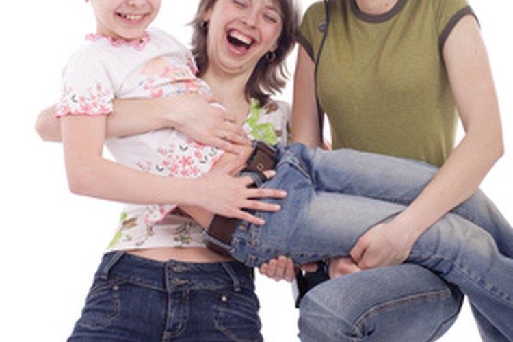 Los adolescentes disfrutan jugar juegos que los desafíen con otros en competición.