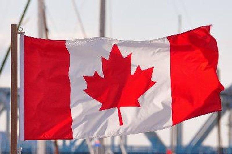 La simbólica hoja de maple en la bandera de Canadá.