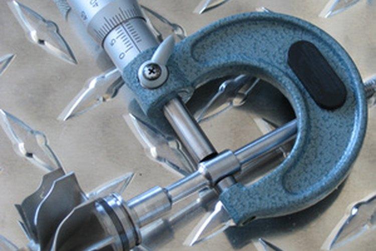 Puedes usar un micrómetro para determinar el volumen de una canica.