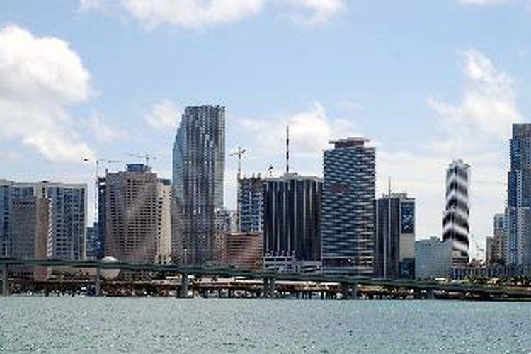 """Si buscas un trabajo, podrías vértelas difícil en las ciudades del """"cinturón del sol"""" como Miami."""
