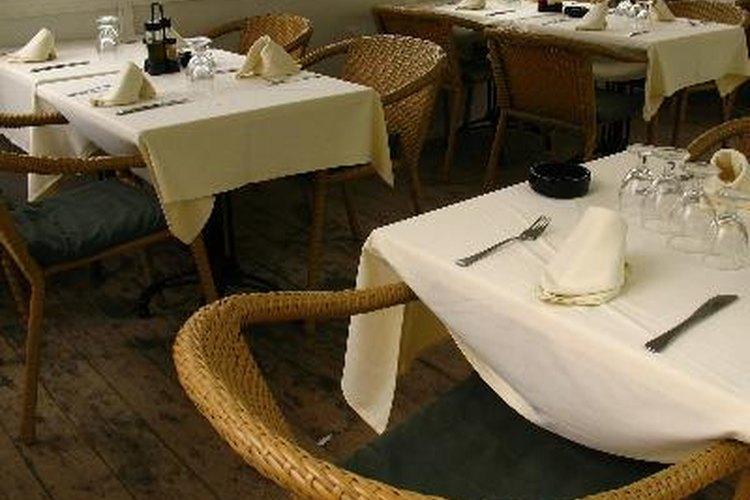 Los restaurantes son una buena opción para tu primer trabajo